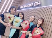 Ban giám đốc & các nhân viên nam chúc mừng ngày phụ nữ Việt Nam